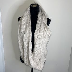 D&Y Cable Knit Grey Infinity Scarf